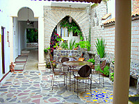 courtyard Hotel Casa Blanca.
