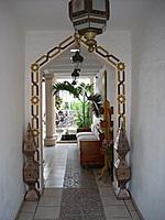 entrance Hotel Casa Blanca