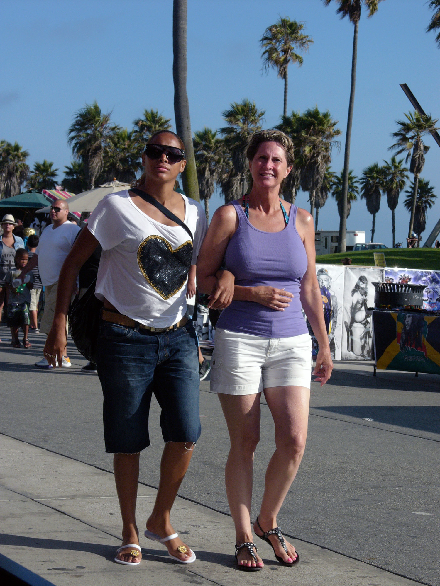 venice lesbian personals Venus williams comes out discloses lesbian relationship  one of the those reasons happened to be that she was dating her cuban boyfriend elio pis, and didn't .